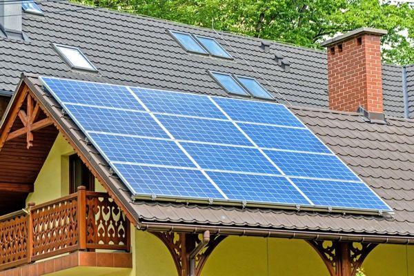 Top 3 solutii eficiente in reducerea consumului de energie la case